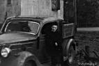 Fr. Abel um 1948 vor der Werkstatt